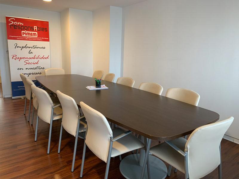 Despatx de reunió, aforament de 12 persones